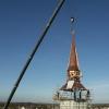 Montage einer neuen Turmspitze nach Vorbild (03/2007)